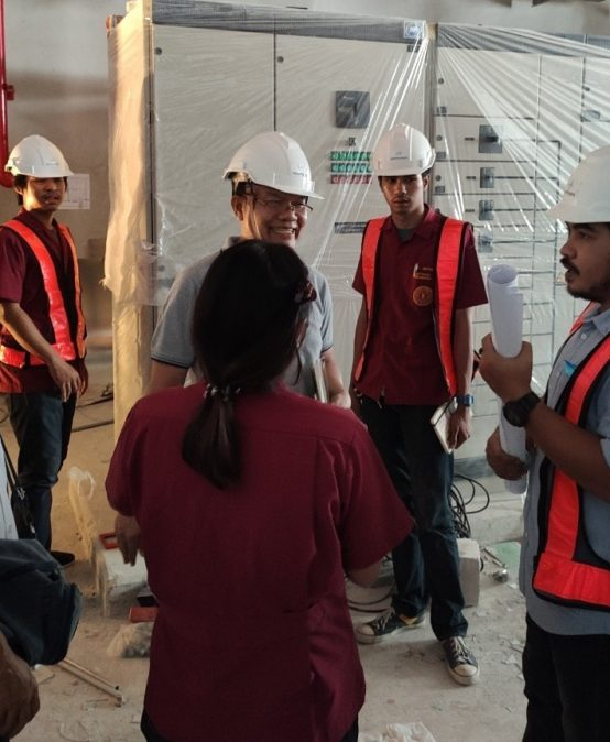 ตรวจเยี่ยมนักศึกษาภาควิชาวิศวกรรมไฟฟ้า มหาวิทยาลัยสยาม ที่กำลังปฏิบัติงานตามบริษัทต่างๆ